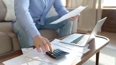 面倒な給与計算業務は給与計算ソフトで!おすすめのソフト10選を紹介
