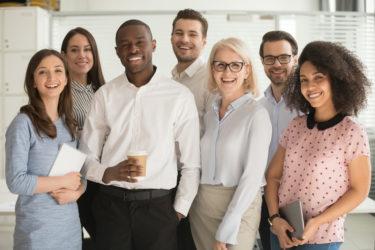 従業員満足度とは?高める方法と高めることで得られるメリットを解説!