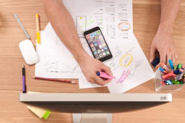 デザイナーに外注する時代は終わり!?無料で簡単にデザインを作れるツール「Canva」のご紹介