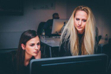 5社に1社が事業転換!?先行き不安定な現代だからこそ知っておくべき事業転換の方向性と事例
